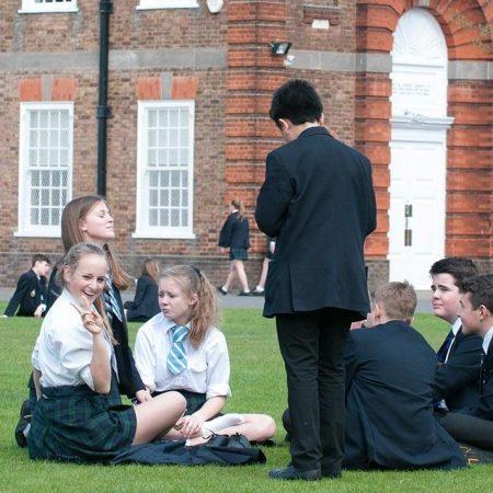 CHURCHILL HOUSE SCHOOL Лондон — летние каникулы для детей от 10 до 17 лет.