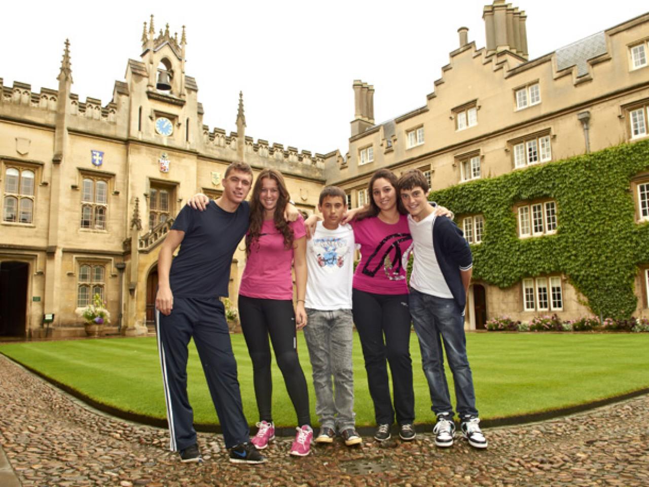 ST. GILES Кембридж — летняя языковая программа для молодежи от 14 до 17 лет
