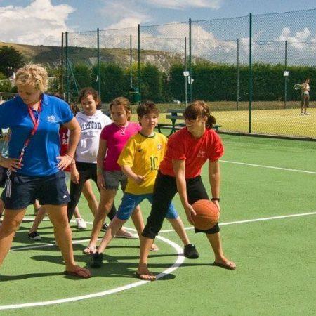 HARROW HOUSE Своунеж — круглогодичная программа «Английский+спорт» для молодежи от 11 до 17 лет.