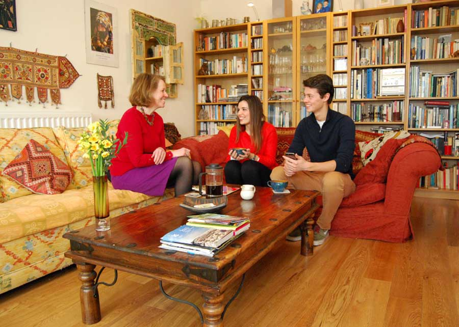 homestay-host-two-students
