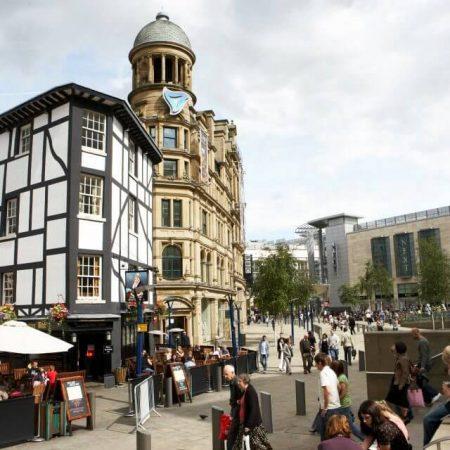 LONDON SCHOOL OF BUSINESS AND FINANCE Манчестер — английский язык  для взрослых от 16 лет