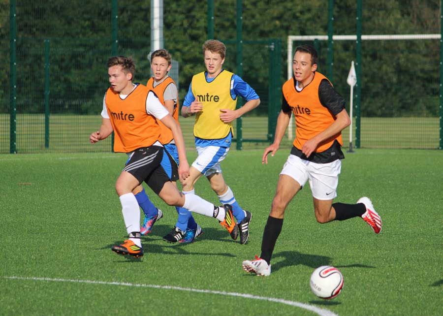 ib-CAS-football-on-the-run